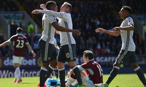 Manchester United s'impose à Burnley, Pogba sort sur blessure