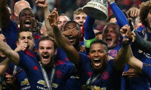 Manchester United bat l'Ajax (2-0) et remporte l'Europa League