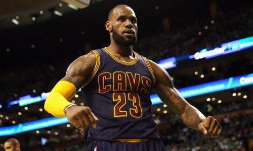 LeBron James devient le meilleur marqueur de l'histoire de la NBA en play-offs.