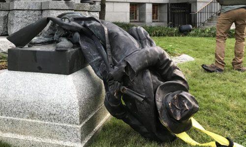 Etats-Unis: après Charlottesville, la tension ne retombe pas