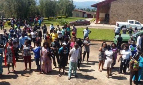 Une bombe découverte devant une école à Bamenda