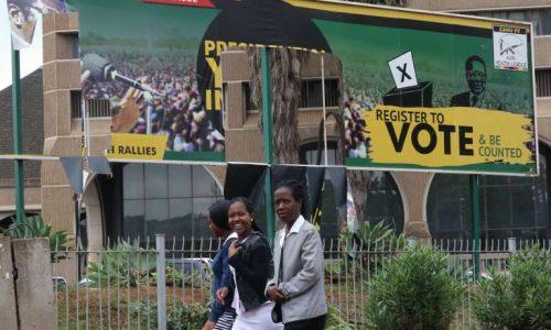 Zimbabwe : exclu de son parti, Robert Mugabe a jusqu'à lundi pour quitter la présidence