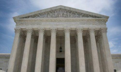 La Cour suprême remet en vigueur le décret anti-immigration de Donald Trump