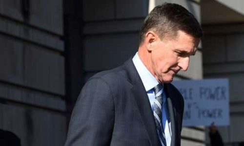 Ingérence russe : Michael Flynn, ancien conseiller de Trump, reconnaît avoir menti au FBI