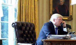 Trump informe Abbas qu'il veut «transférer l'ambassade à Jérusalem»