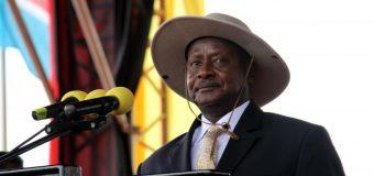 «Pays de merde»: le président ougandais félicite Donald Trump pour ses propos
