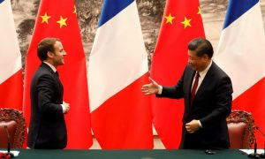 Visite de Macron en Chine: des accords à la pelle annoncés à Pékin
