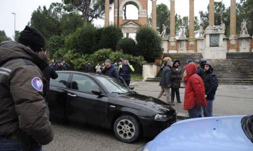 Italie: un sympathisant de l'extrême droite tire sur des étrangers, six blessés