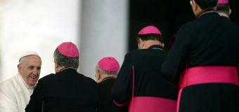 Le pape accepte la démission d'un évêque nigérian controversé