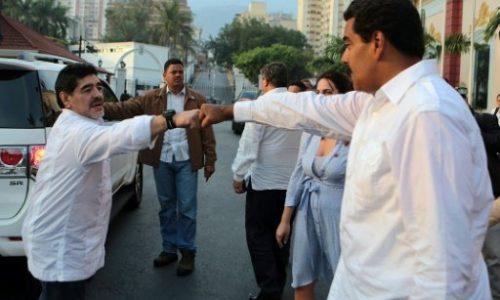 Venezuela: Maradona s'offre comme «soldat» à Maduro.