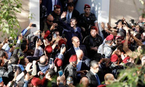 Liban: le Premier ministre Saad Hariri accepte de suspendre sa démission
