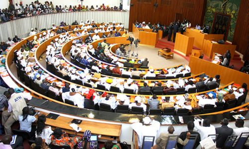 Vidéo, Sénégal: Incroyable bagarre à l'Assemblée, des députés en viennent aux mains