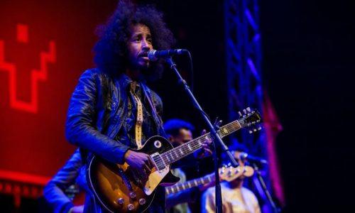 Au Maroc, les rockeurs du Sahara surfent sur la vague de la world music