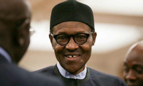 Nigeria: le président Buhari crée la polémique en traitant les jeunes de paresseux